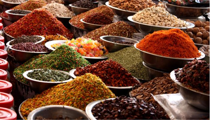 picture of a spice market